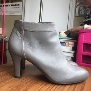 Banana Republic Leather Ankle Boots 8M
